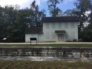 Lock keeper's house